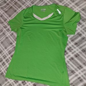 Saucony Green Athletic Tee, size Med